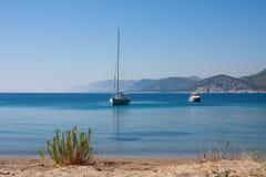 Segelnboot und -yacht Stockbilder