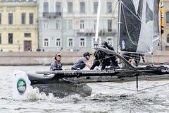 Segelnde Reihen des Extrems 40 laufen 2014 in Russland, St Petersburg lizenzfreies stockbild