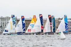 Segelnde Reihen des Extrems 40 laufen 2014 in Russland, St Petersburg stockfoto