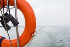 Segelnkonzept mit See und Boot Lizenzfreie Stockfotografie