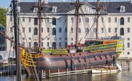 Segelschiff in Amsterdam bei Marine Museum stockfoto