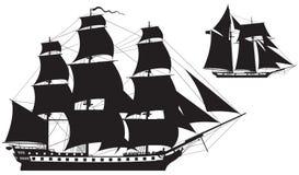 Segelschiff silhouettiert Fregatte und Schoner Stockfoto