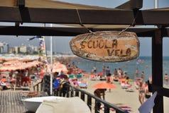 Segelschule in Riccione Italien lizenzfreie stockfotografie