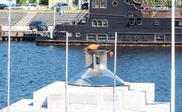 Segelsport-Mitte Feuer Estlands Tallinn Pirita olympisches lizenzfreies stockfoto