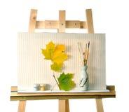 Segeltuch, Blätter auf einem Gestell Lizenzfreies Stockfoto