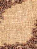 Segeltuch und Kaffeebohnen Stockfotografie