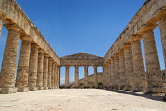 Segesta griechischer Tempel in Sizilien stockbild