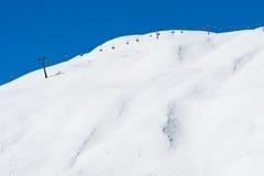 Seggiovia lungo Ski Slope Fotografia Stock Libera da Diritti