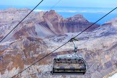 Seggiovia nelle alpi svizzere Fotografia Stock Libera da Diritti