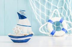 Segla bakgrund för fartygleksakmodellen - nautisk bakgrund Royaltyfri Foto