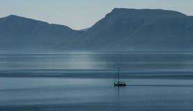 Segla de grekiska öarna Arkivbilder