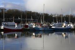 Segla fartyg i fjärden i Lemvig, Danmark Arkivfoto