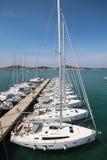 Segla fartyg i hamn Royaltyfria Foton