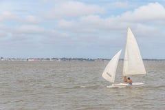 Segla fartyg i Lagoa gör Patos sjön Royaltyfri Foto