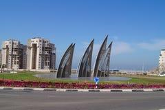 Segla fyrkanten i Ashdod Israel symbolet av staden Royaltyfri Foto