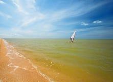 segla havet vindsurfar Arkivfoton