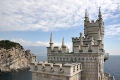Segla i havet - Neo-gotiskt rede för slottsvala` s i Gaspra arkivbilder