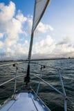 Segla i San Juan Bay Arkivbilder