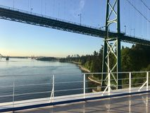 Segla in i Vancouver, British Columbia Arkivfoto