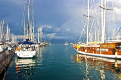 Segla seglar på pir, Fethiye Royaltyfria Bilder