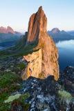 Segla-Spitze auf Senja, Norwegen stockfotos