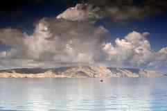 Segla under molnen Fotografering för Bildbyråer