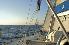 segla under yachten Arkivbilder
