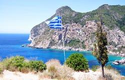 Segla utmed kusten på ön av Korfu, Grekland, Europa Royaltyfria Bilder
