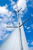 Segla yachtmasten Royaltyfri Bild