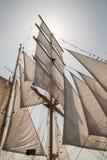 Seglar av ett gammalt seglingskepp Fotografering för Bildbyråer