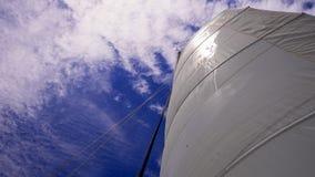 seglar skyen Royaltyfri Foto