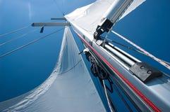 seglar yachten Arkivbild