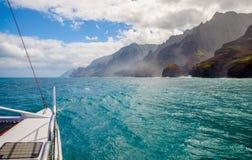 Segling napalikust, kauai, hawaii Arkivfoto