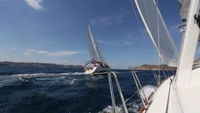 segling Segla i det Aegean havet Lyxig yacht stock video