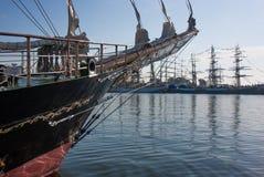 Seglingskepp i en hamn Royaltyfri Foto
