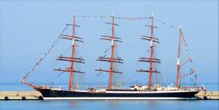 Seglingskepp Sedov i Sochi port Fotografering för Bildbyråer