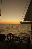 seglingsolnedgång Arkivbilder