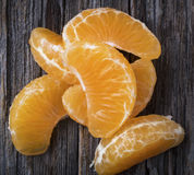 Segments de mandarine dans la fin Photos libres de droits