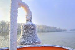Segnalatore acustico congelato della nave nell'orario invernale Fotografie Stock Libere da Diritti