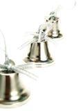 Segnalatori acustici d'argento piacevoli della decorazione di natale fotografia stock