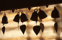 Segnalatori acustici del cuore in tempiale buddista Immagine Stock