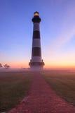 Segnale di Bodie Island Lighthouse Vertical Fog Fotografia Stock