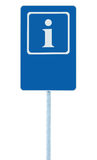 Segnale di informazione in blu, icona della lettera di bianco i e struttura, fondo vuoto in bianco dello spazio della copia, cont Immagini Stock Libere da Diritti