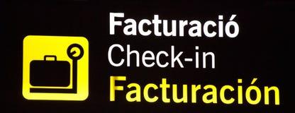 Segnale di informazione brillantemente leggero dell'aeroporto di registrazione Fotografie Stock Libere da Diritti