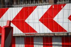 Segnale di pericolo chiuso strada dei segnali stradali Immagine Stock