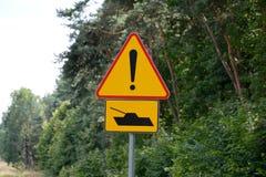 Segnale di pericolo del carro armato Fotografia Stock