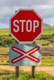 Segnale di pericolo del passaggio a livello Fotografie Stock Libere da Diritti