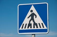 Segnale stradale, crosswalk, passaggio pedonale Immagini Stock