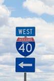 Segnale stradale da uno stato all'altro 40 Immagine Stock Libera da Diritti