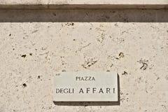 Segnale stradale del degli Affari della piazza a Milano Borsa Italiana fotografia stock
